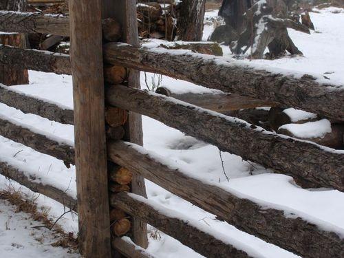 Забор из поперечных жердей «ранчо»