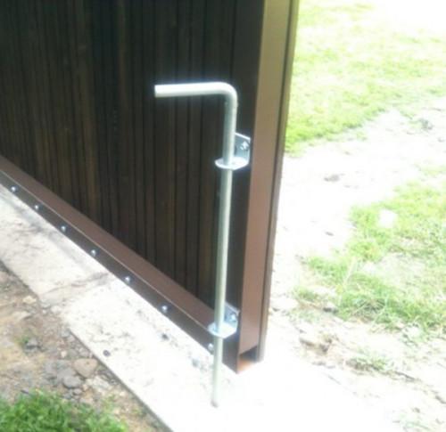 вертикальный запор на ворота