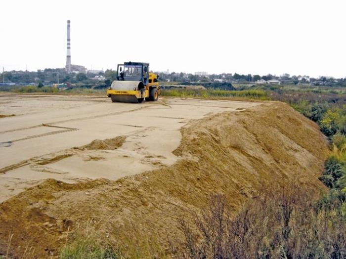 Фотография № 2: выравнивание участка методом подсыпки грунта